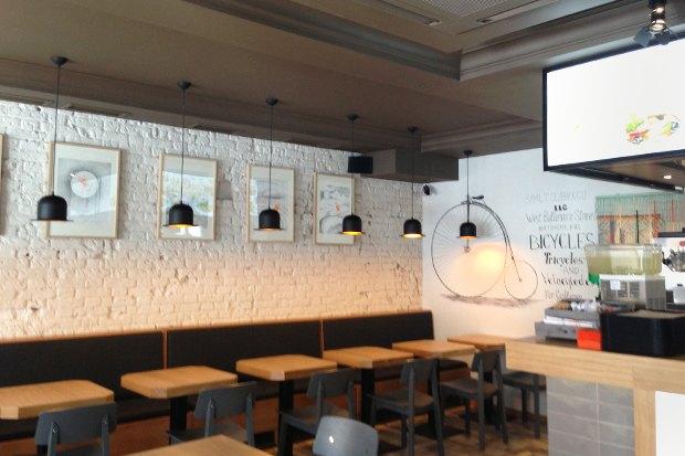В Москве открылось первое кафе «Вок-стрит»