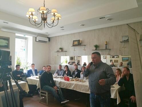 Гриль-бар «Рёбра House» встретил участников Делового клуба журнала «РесторановедЪ»