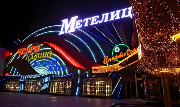 Депутаты решили поощрять бишкекчан золотыми часами